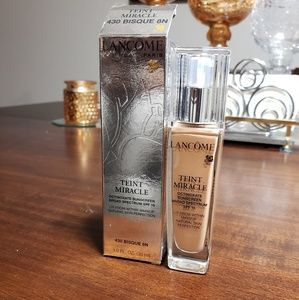 New in box Lancome teint miracle foundation